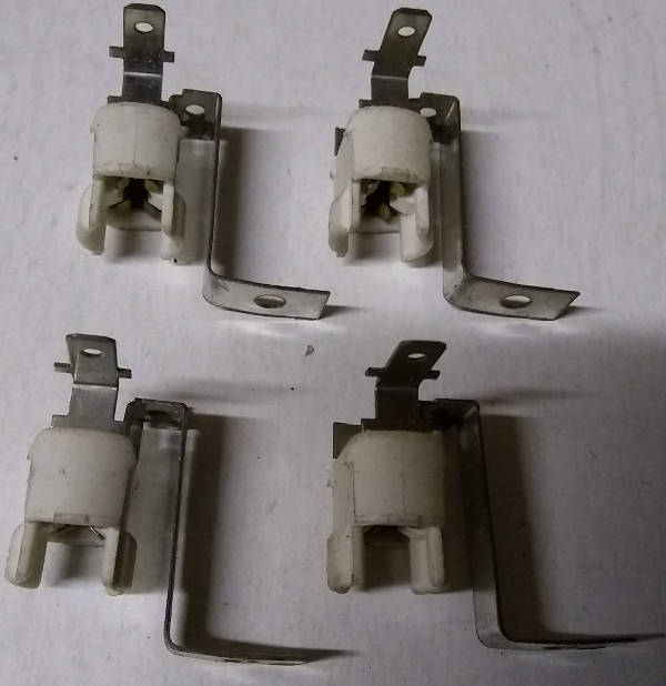 Bally E-120-189 555 Wedge Lamp Socket (4pcs ) - NOS [E-120-189